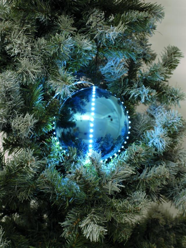 Sněhové LED koule, 8 cm, ledová modrá, 5 ks